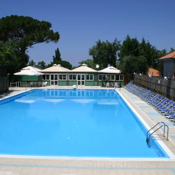 Zwembad2 Villaggio Costa Alta
