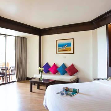 Kata Beach resort - superior room Beyond Resort Kata