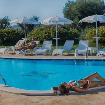 Lu Hotel - Zwembad Lu Hotel