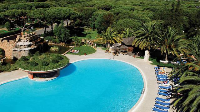 Zwembad Falesia Hotel