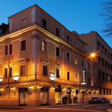 Voorzijde Hotel Piemonte