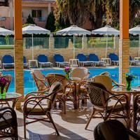 Esmeralda Hotel - Terras aan zwembad