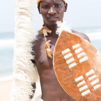 Afrikaanse man met traditionele kleding