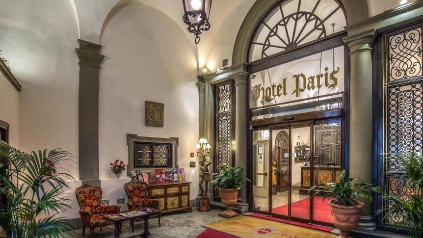 Entree Hotel Paris