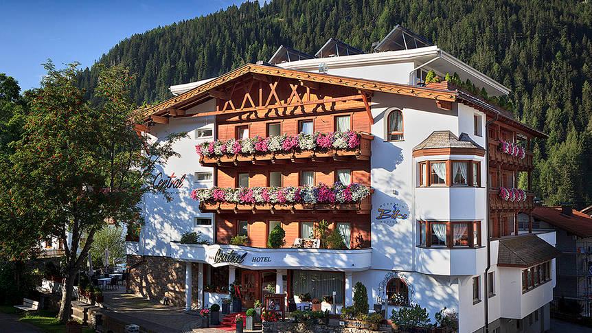 Buitenaanzicht Alpen-Comfort-Hotel Central