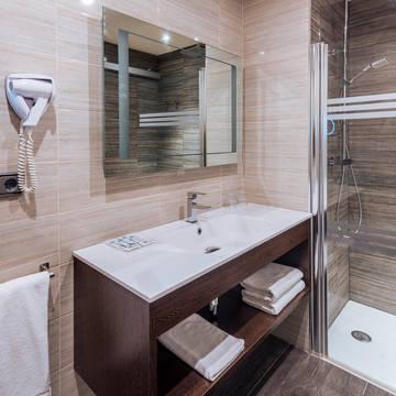 Voorbeeld badkamer Hotel Tropic Park