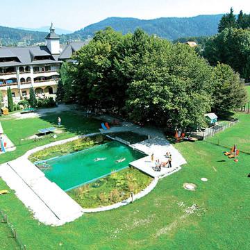 Buitenaanzicht Familliepark Hotel Mittagskogel