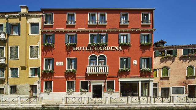 Voorzijde Hotel Gardena
