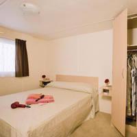 Voorbeeld slaapkamer 4-kamerstacaravan
