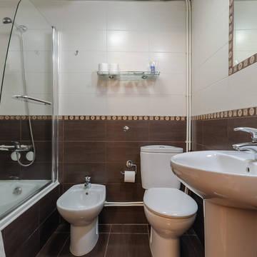 Badkamer Hotel Dinya Lisbon
