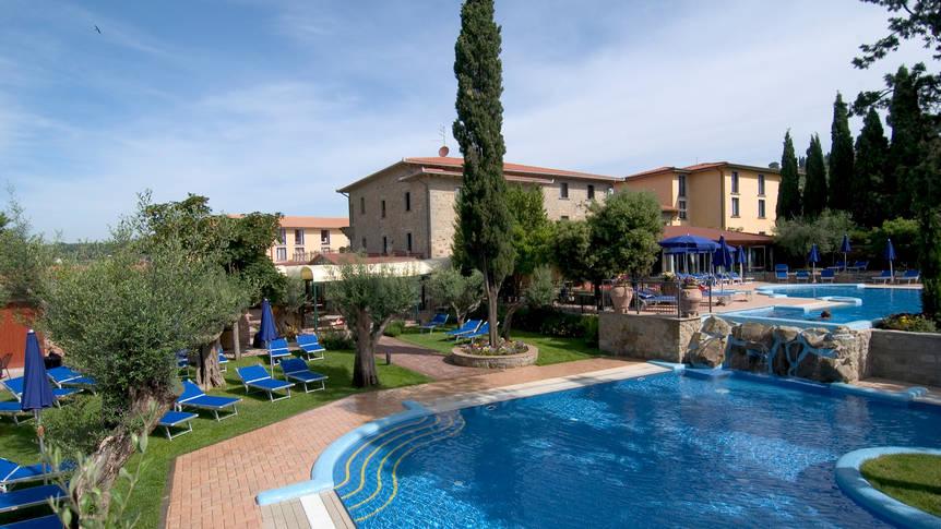 Zwembad Hotel Villa Paradiso Village