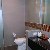 thailand cha-am furama-fxchh-g-premier_bathroom