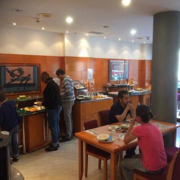Ontbijtruimte Hotel Villacarlos