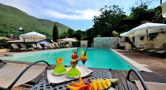 Zwembad Borgo Santa Lucia