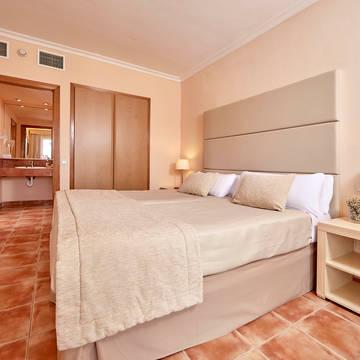 Voorbeeld kamer Zafiro Can Picafort