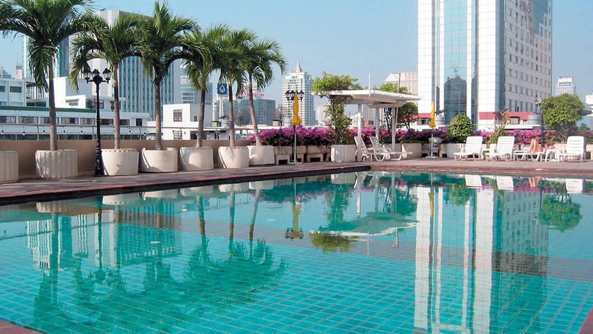 Royal Benja Bangkok - zwembad Royal Benja Hotel