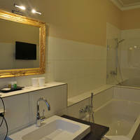 hotel-villa-toscana-fuessen-badezimmer