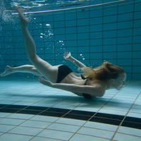 In het zwembad