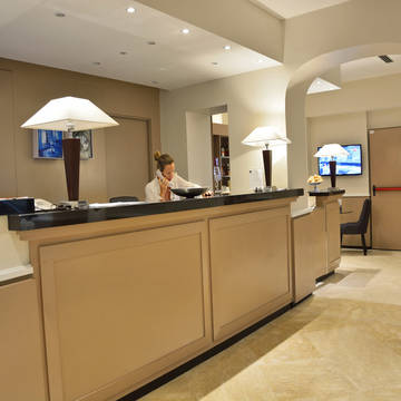 Receptie Hotel Apogia Lloyd