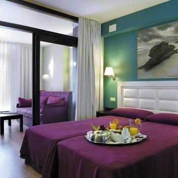 Voorbeeld familiekamer Hotel Evenia Olympic Palace