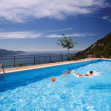 Zwembad  Appartementen La Rotonda