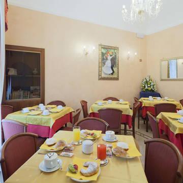 Ontbijt Hotel Oriente