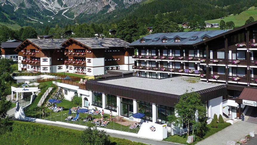 Voorzijde hotel Familien- und Sporthotel Marco Polo Club Alpina