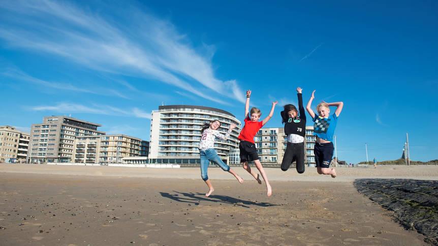 Op het strand Hotel Vayamundo Oostende