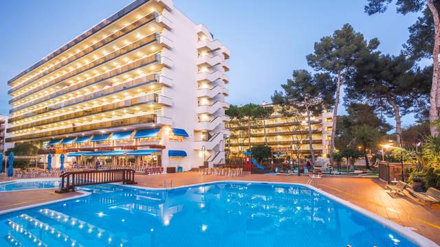 Zwembad Hotel Marinada