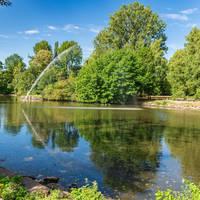 AdobeStock_322944426 View over the pond of the park in Sterkrade, Oberhausen