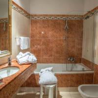 Voorbeeld badkamer familiekamer