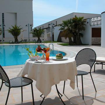 Zwembad Grand Hotel La Chiusa di Chietri
