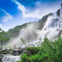 Tvindefoss waterval bij Voss - Foto: Paul Edmundson