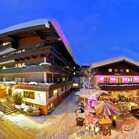 Hotelaanzicht in de winter