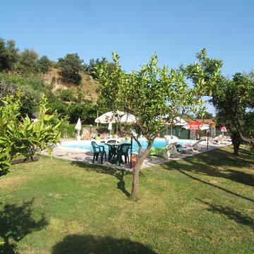 Zwembad Agriturismo Valle Alcantara