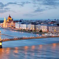 8 daagse busreis of 6 daagse vliegreis Kerst in sprookjesachtig Budapest
