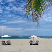 Strand en ligbedden