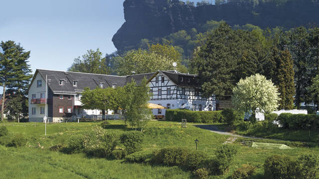 Buitenaanzicht Panoramahotel Lilienstein