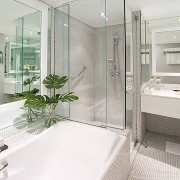 Voorbeeld G Deluxe badkamer Pullman Bangkok Hotel G