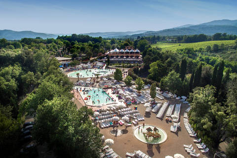 Last minute vakantiepark Toscane 🏕️Camping Norcenni Girasole Village