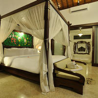 Bedroom jacuzzi villa
