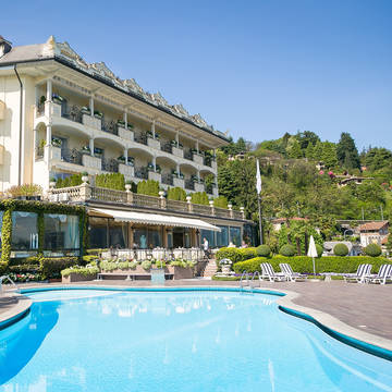 Exterieur met zwembad Villa & Palazzo Aminta