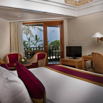 Voorbeeld deluxe zeezicht kamer Prama Sanur Beach Hotel