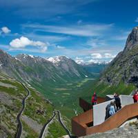 Trollstigveien met uitzichtpunt - Foto: Oyvind Heen