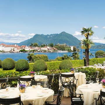 Terras van restaurant Le Isole Villa & Palazzo Aminta