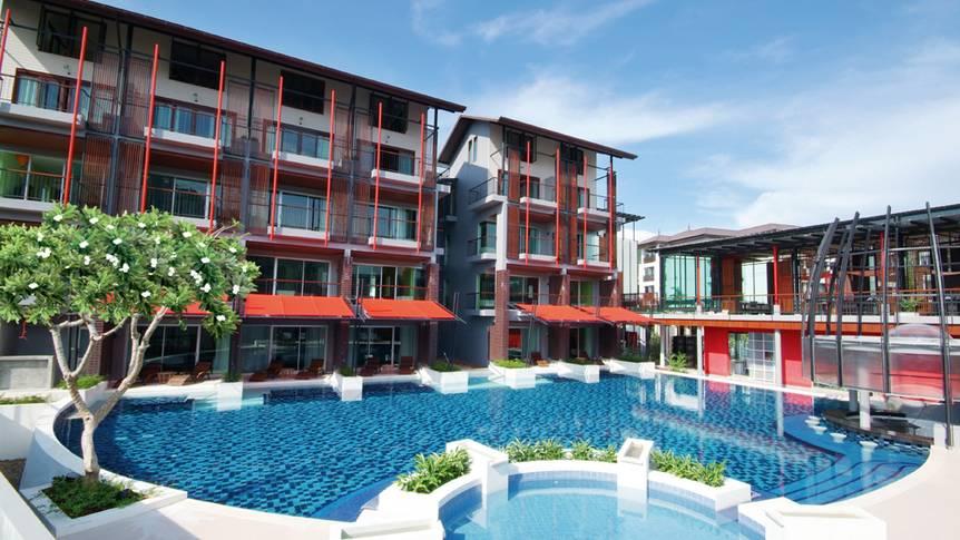 Zwembad en hotel Red Ginger Chic Resort
