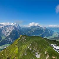 Alpentower luchtopname