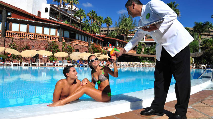Zwembad Hotel Parque Tropical