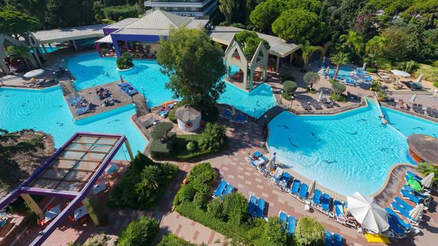 Zwembad Dionysos Hotel