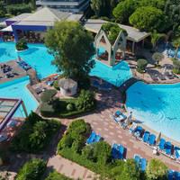 Dionysos - Bovenaanzicht zwembad